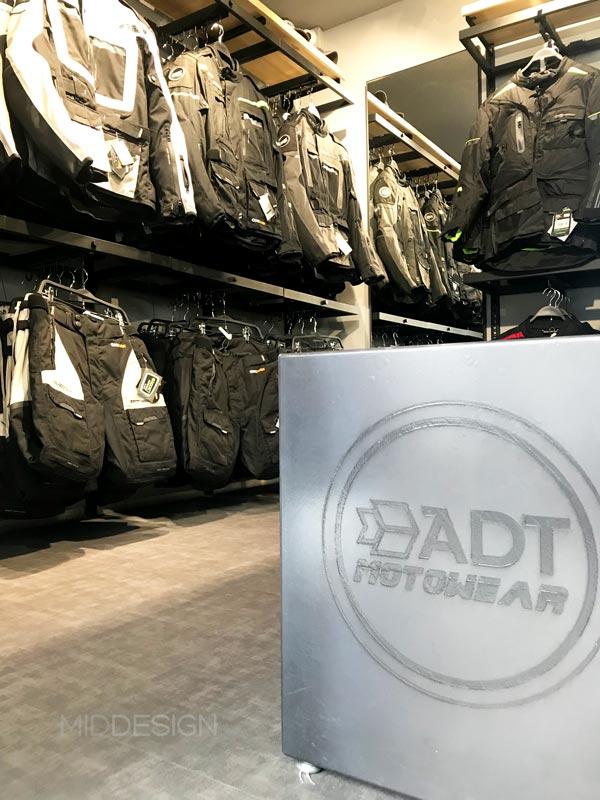 diseño de local para ADT Motowear 2